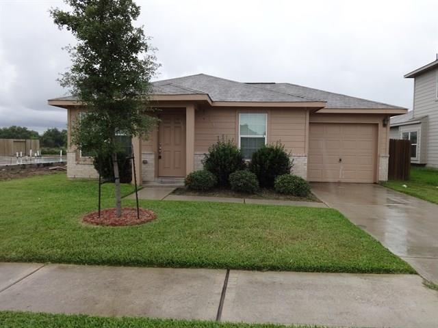 3427 Apache Meadows Drive, Baytown, TX 77521 - Baytown, TX real estate listing