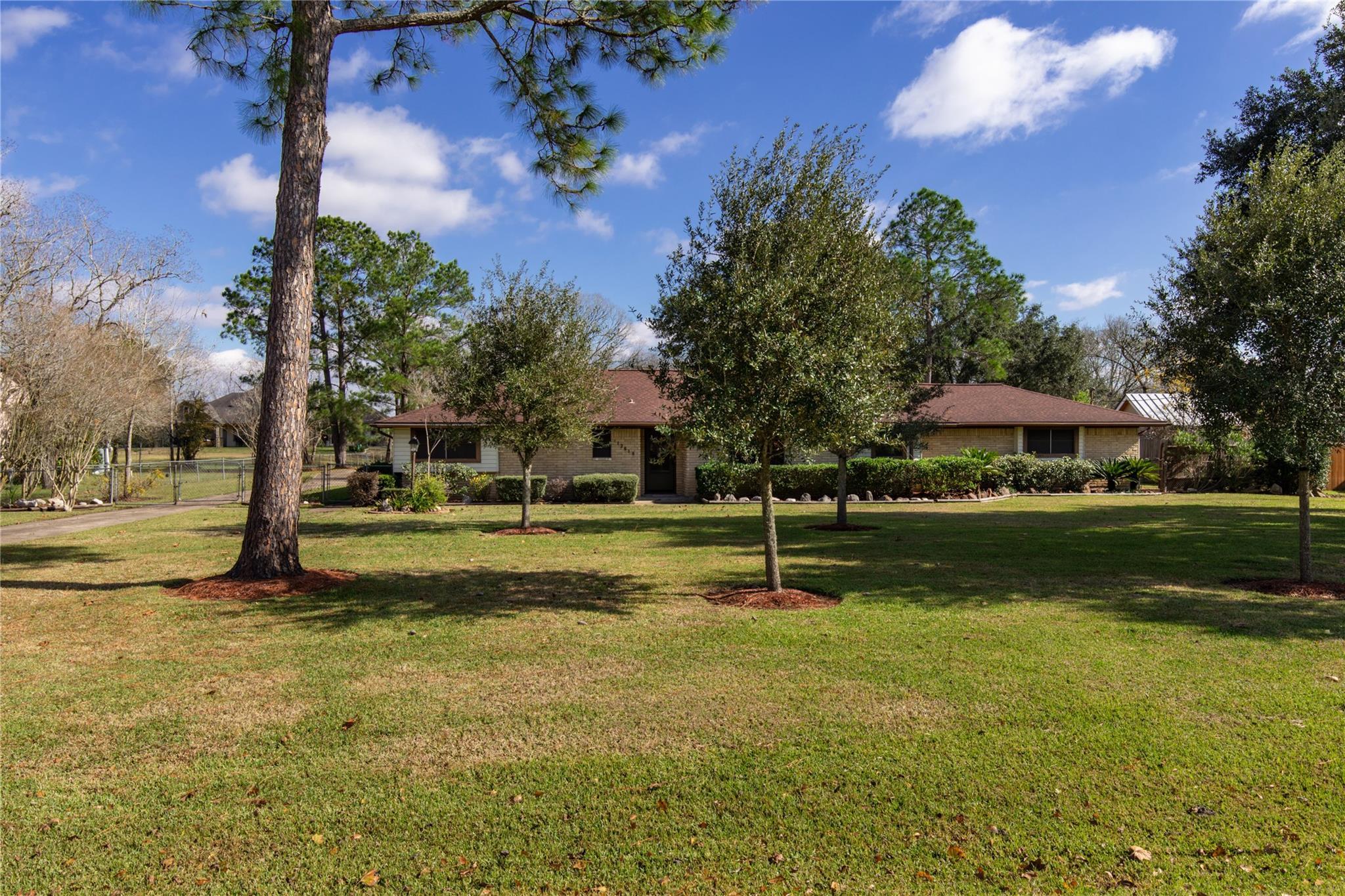 12619 Sunbrook Drive Property Photo - Brookside, TX real estate listing