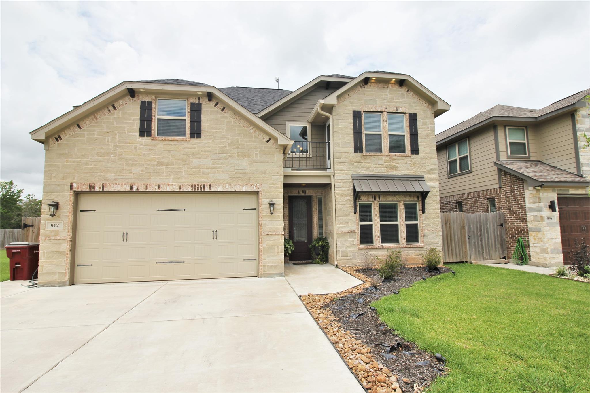 912 Roberts Street Property Photo - East Bernard, TX real estate listing