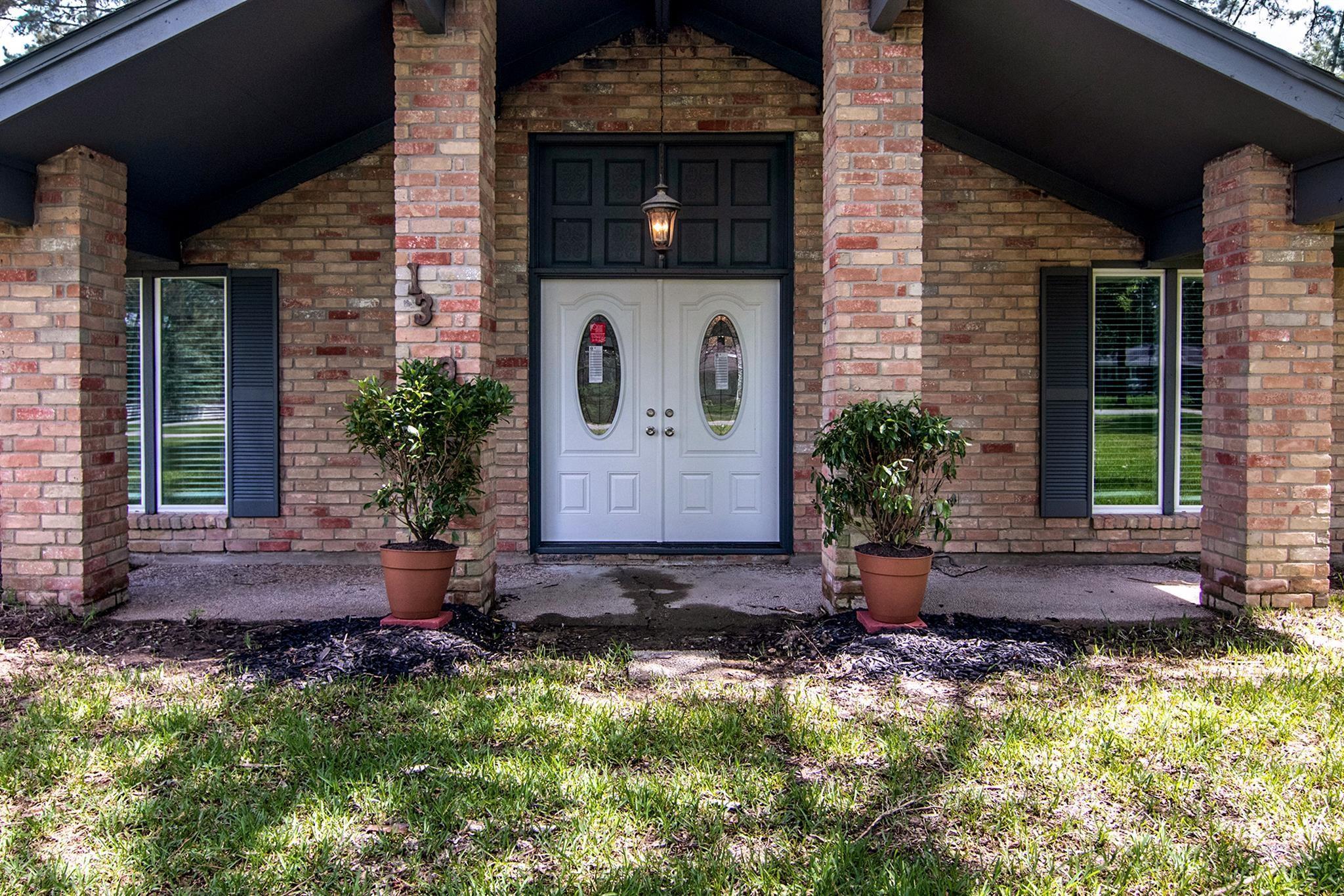 13390 Wayside Drive Property Photo