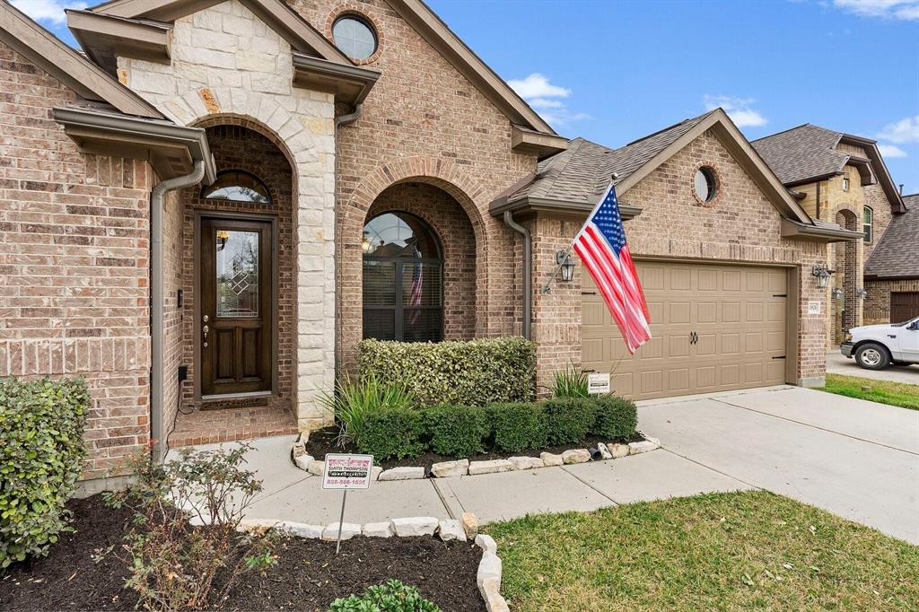 20826 Mystical Legend Drive Property Photo - Tomball, TX real estate listing
