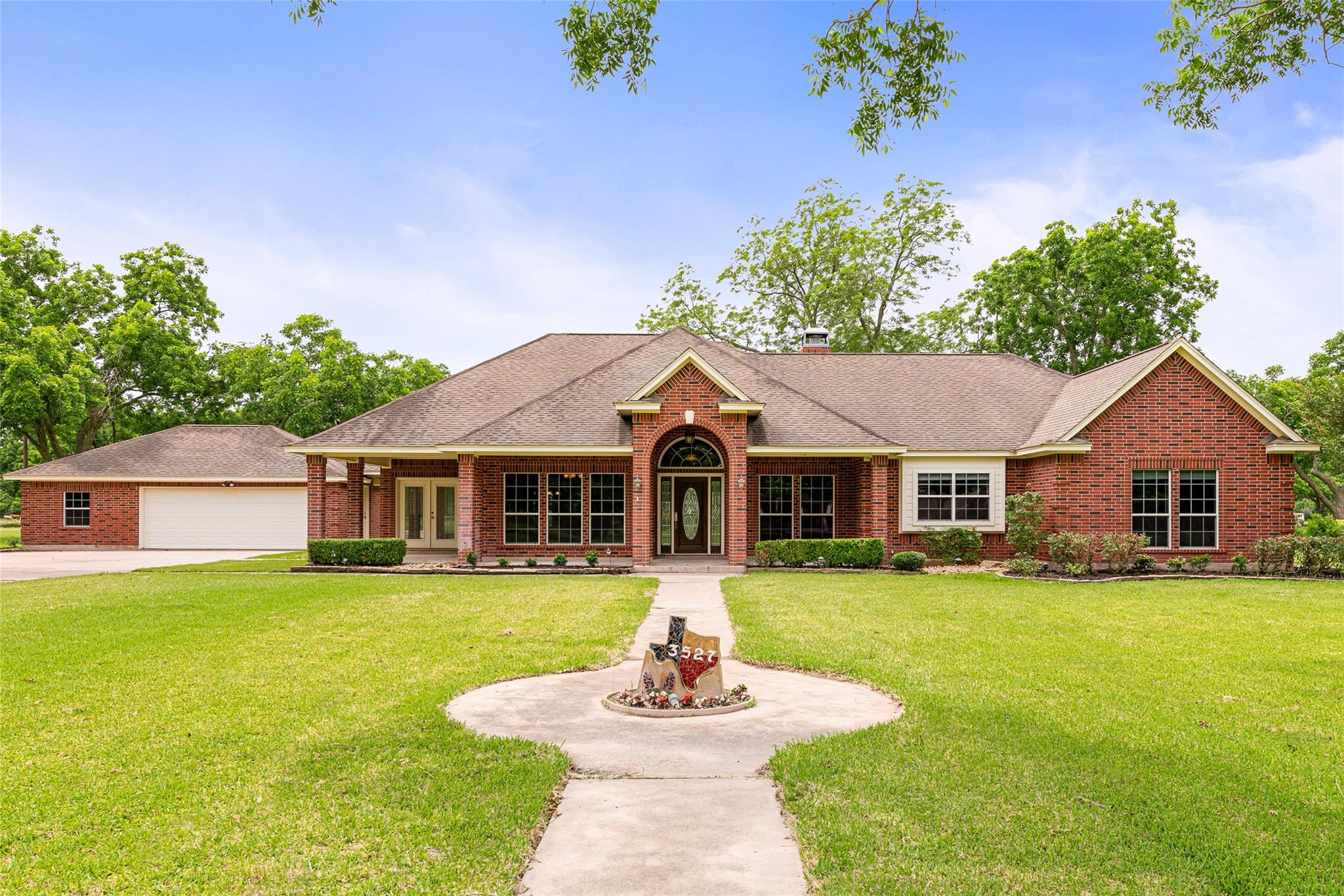 3527 Eborden Circle Property Photo