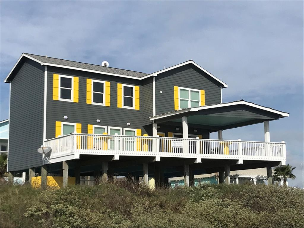 1322 Emerald Drive Property Photo - Crystal Beach, TX real estate listing