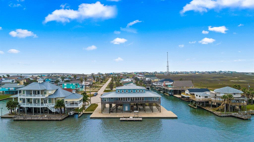 347 Schooner Drive Property Photo - Freeport, TX real estate listing