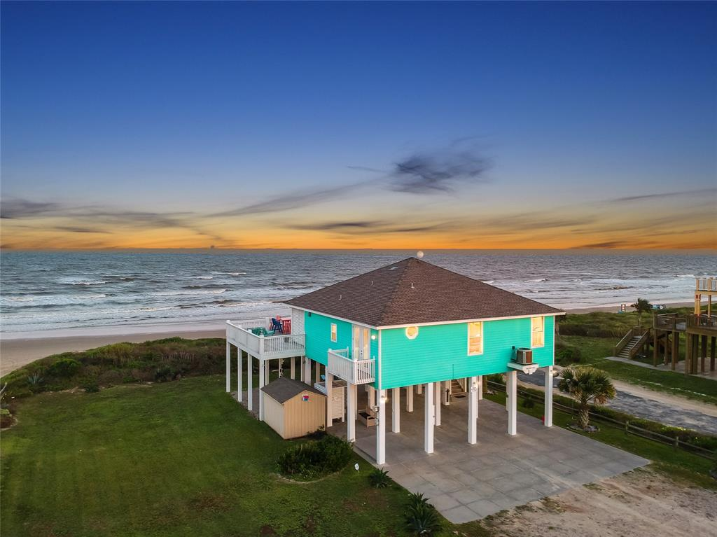 800 West Lane Property Photo - Crystal Beach, TX real estate listing