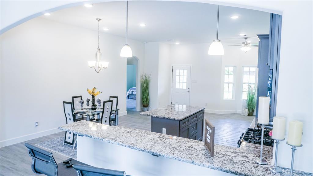 5118 Kenilwood Drive Property Photo - Houston, TX real estate listing