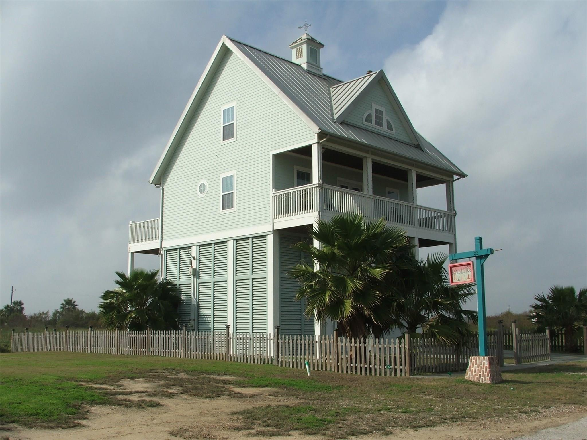 1019 Brighton Jones Boulevard Property Photo - Gilchrist, TX real estate listing