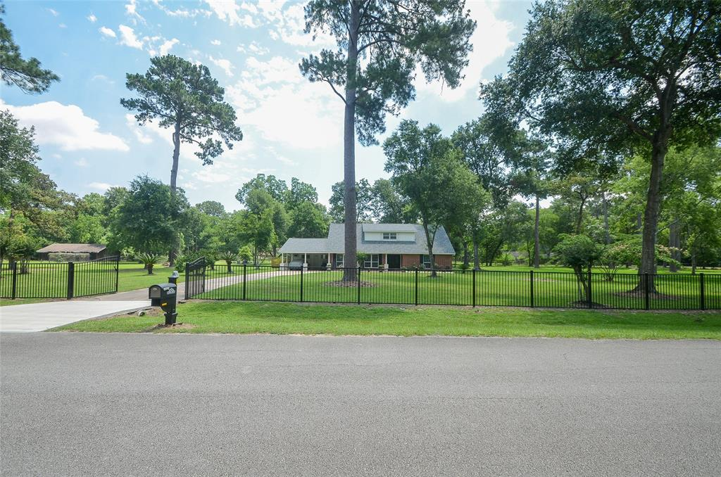 11722 Timber Hollow Property Photo - Houston, TX real estate listing