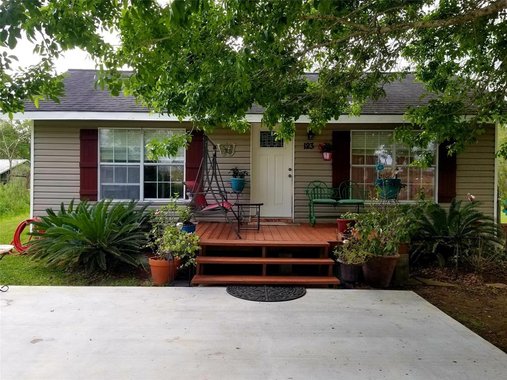 123 County Road 2420 Property Photo - Hull, TX real estate listing