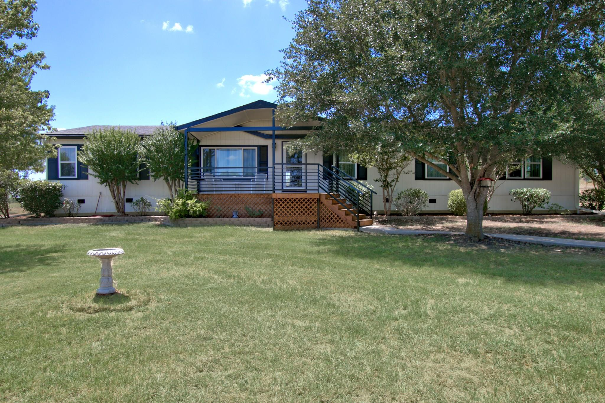 270 Spur Trail Property Photo - Seguin, TX real estate listing
