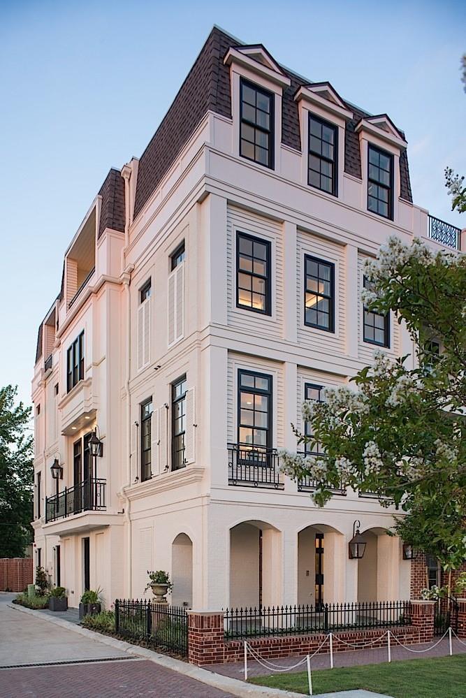 81 Crain Square Boulevard Property Photo 1