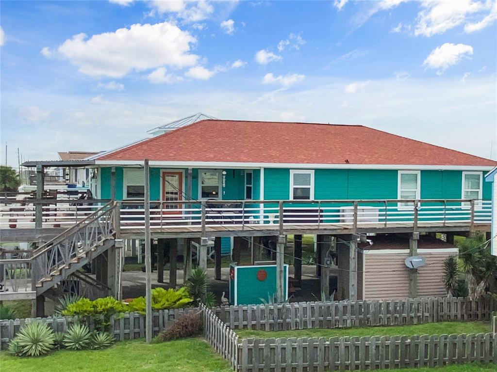 202 Sand Dune Court Property Photo - Surfside Beach, TX real estate listing