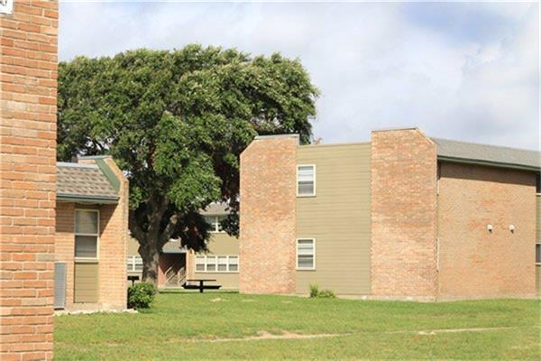 711 Glenoak Drive Property Photo - Corpus Christi, TX real estate listing