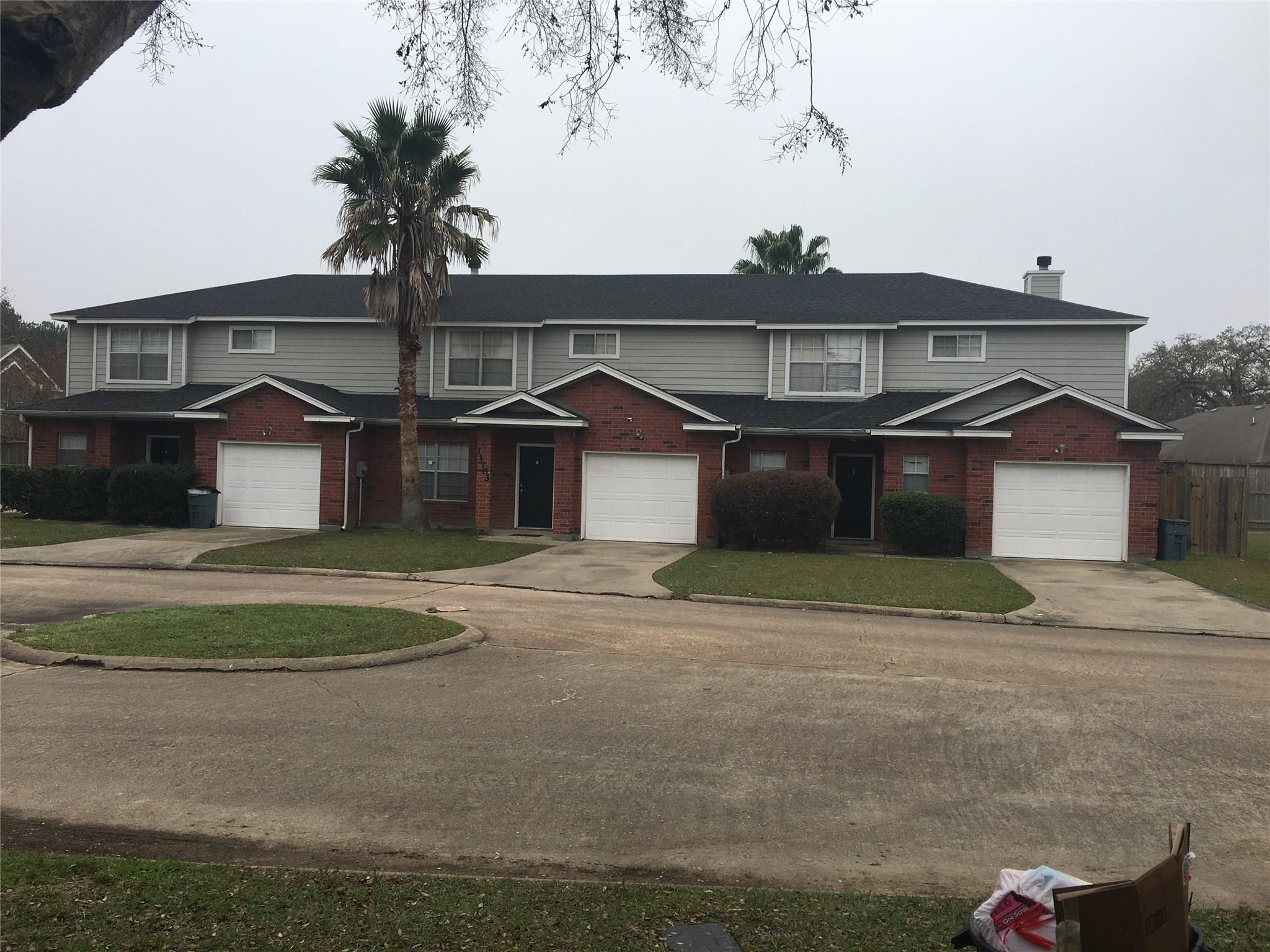 11703 Emerald Hill Drive Property Photo - Houston, TX real estate listing