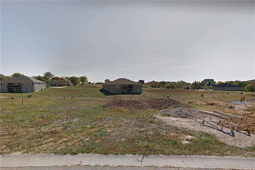 13287 Davis Avenue Property Photo
