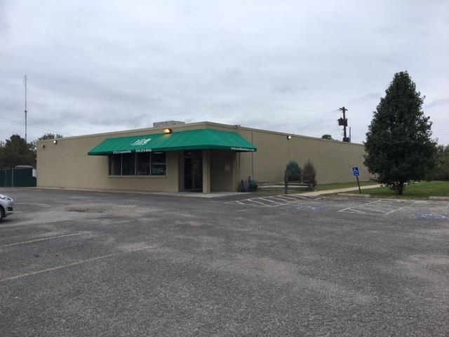 2722 S Leonard Road Property Photo - St Joseph, MO real estate listing