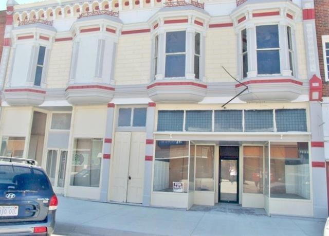 125 W 8th Street Property Photo