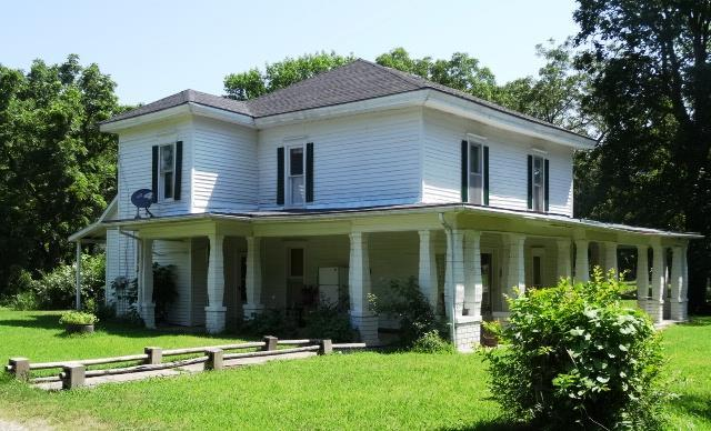314 E Vine Street Property Photo - Rich Hill, MO real estate listing