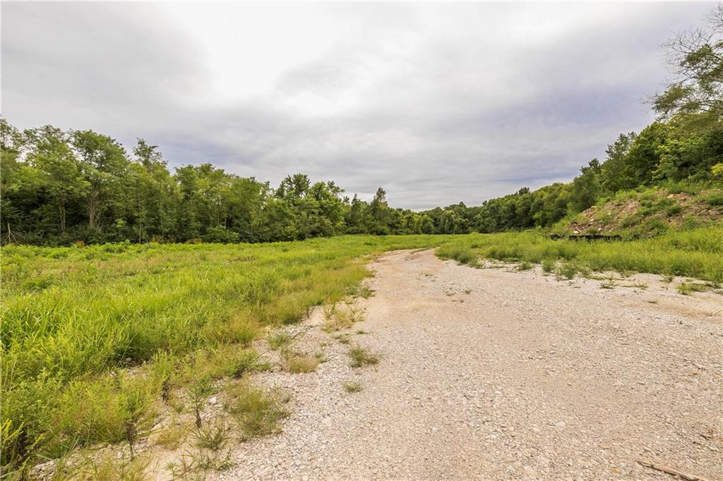 1328 H Highway Property Photo - Liberty, MO real estate listing