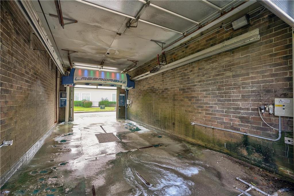 635 Ne Woods Chapel Road Property Photo 6
