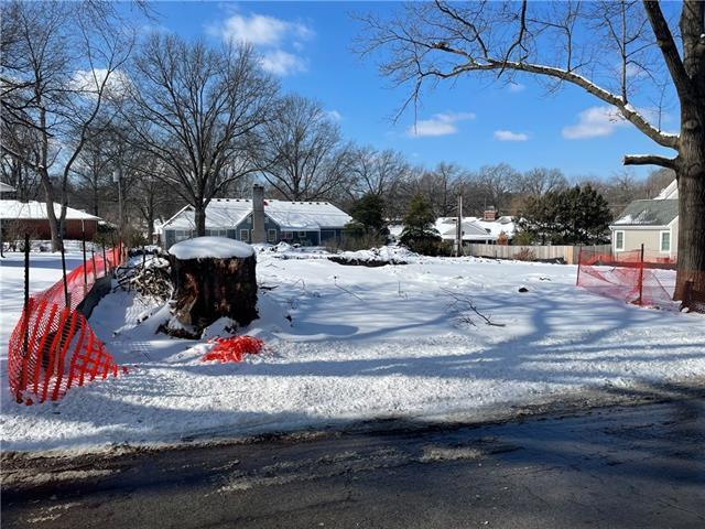 8904 Mohawk Lane Property Photo - Leawood, KS real estate listing