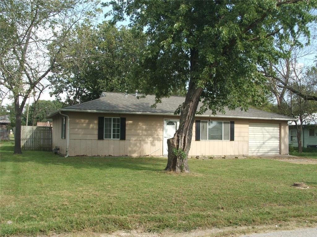 205 S Main Street Property Photo - La Harpe, KS real estate listing