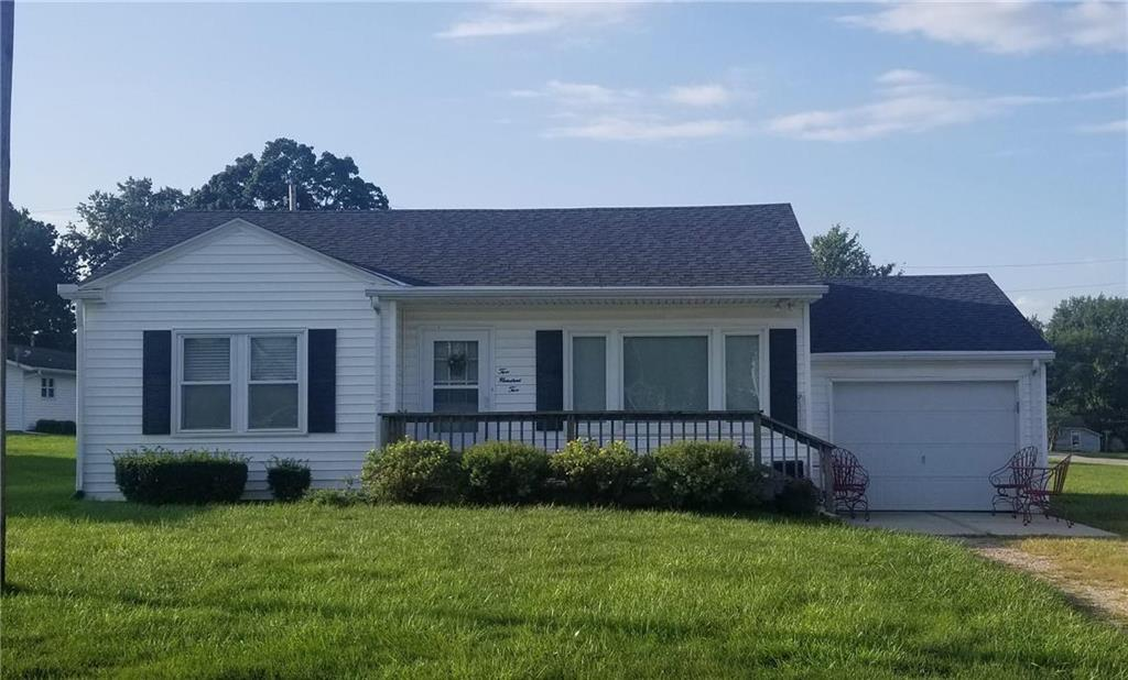 202 E Middle Street Property Photo - Hamilton, MO real estate listing