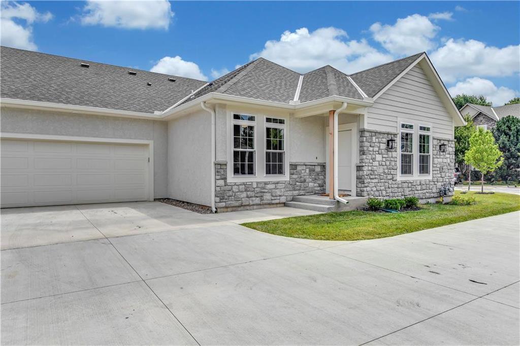 14040 W 112th Terrace Property Photo - Olathe, KS real estate listing