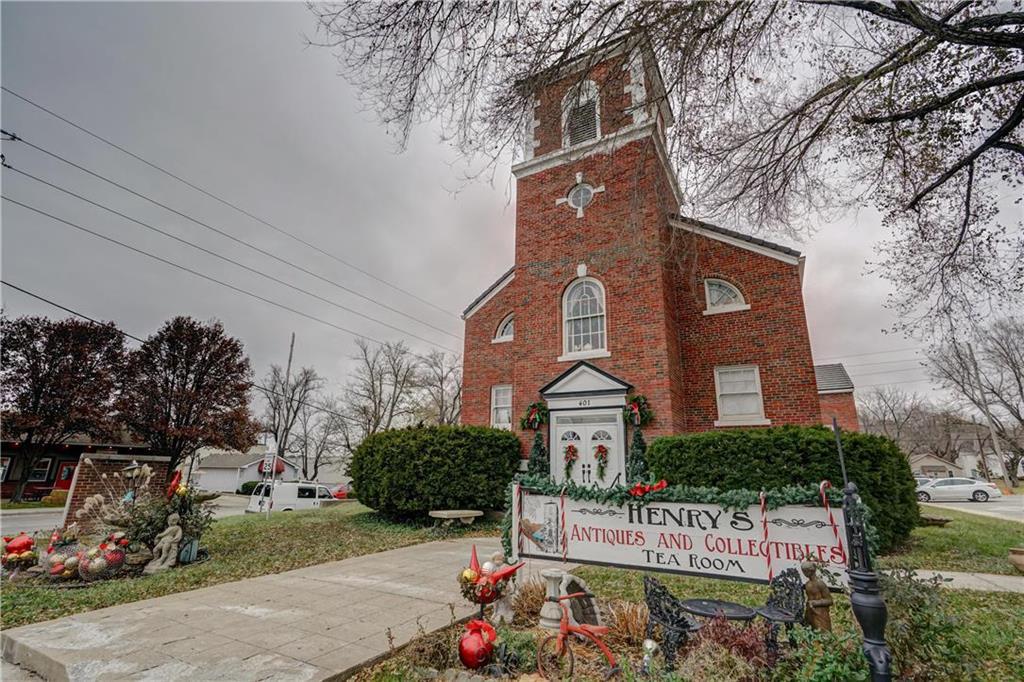 401 Se Douglas Street Property Photo 1