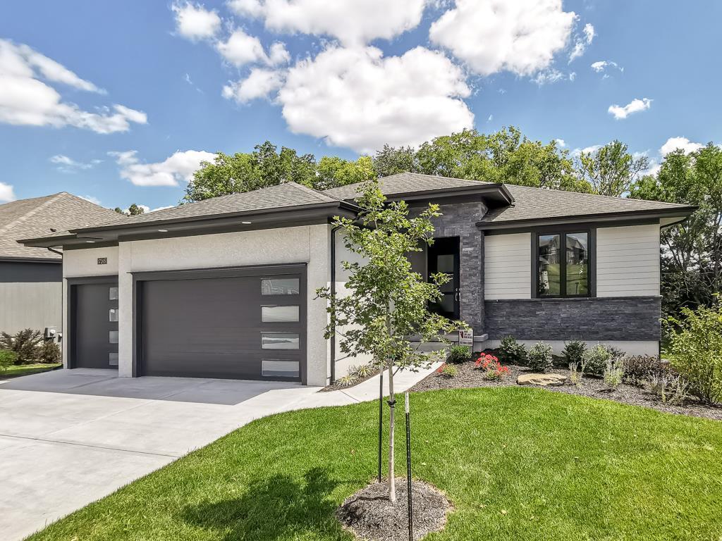 17205 Parkhill Street Property Photo - Overland Park, KS real estate listing