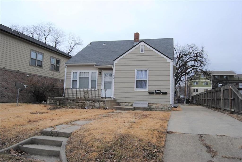 905 Bluemont Avenue Property Photo - Manhattan, KS real estate listing