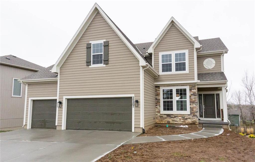 12530 S Canyon Drive Property Photo - Olathe, KS real estate listing