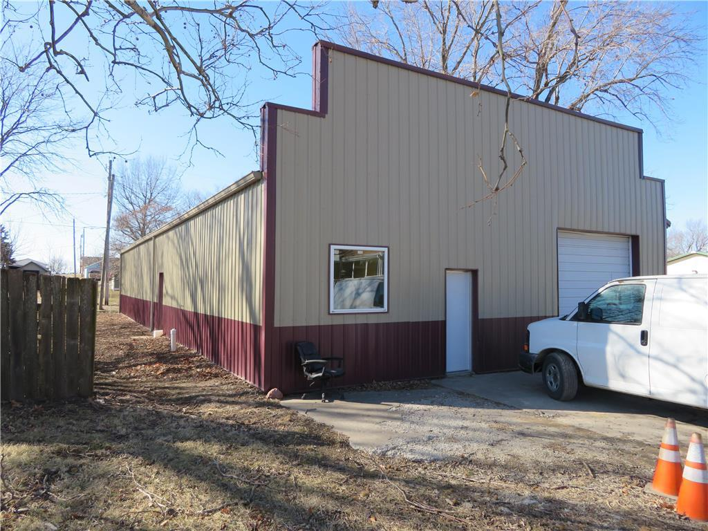 409 S Union Street Property Photo - McLouth, KS real estate listing