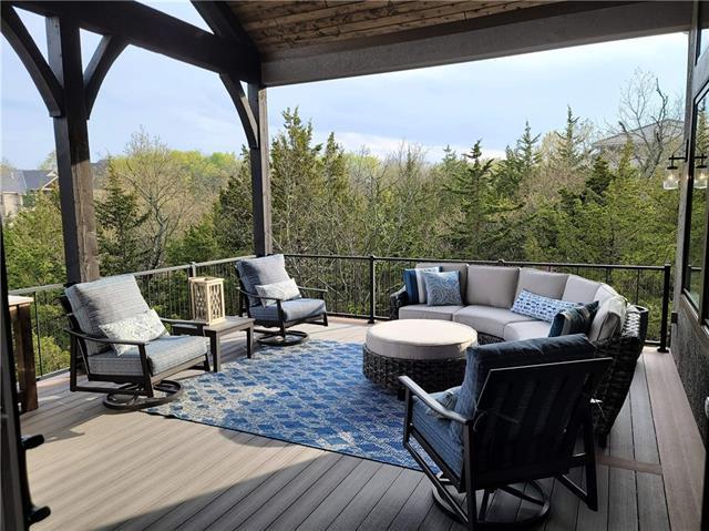 21221 W 94th Terrace Property Photo 8