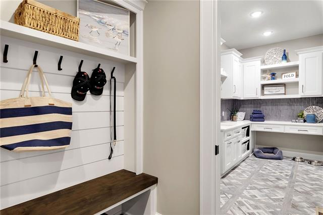21221 W 94th Terrace Property Photo 34