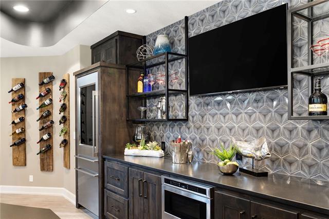21221 W 94th Terrace Property Photo 54