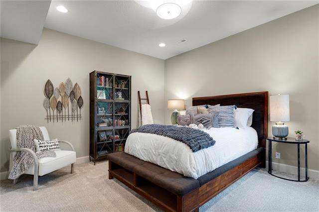 21221 W 94th Terrace Property Photo 60