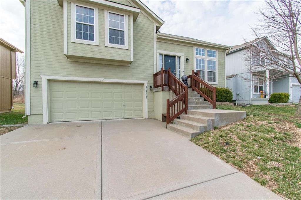 12208 N SHANNON Avenue Property Photo - Kansas City, MO real estate listing