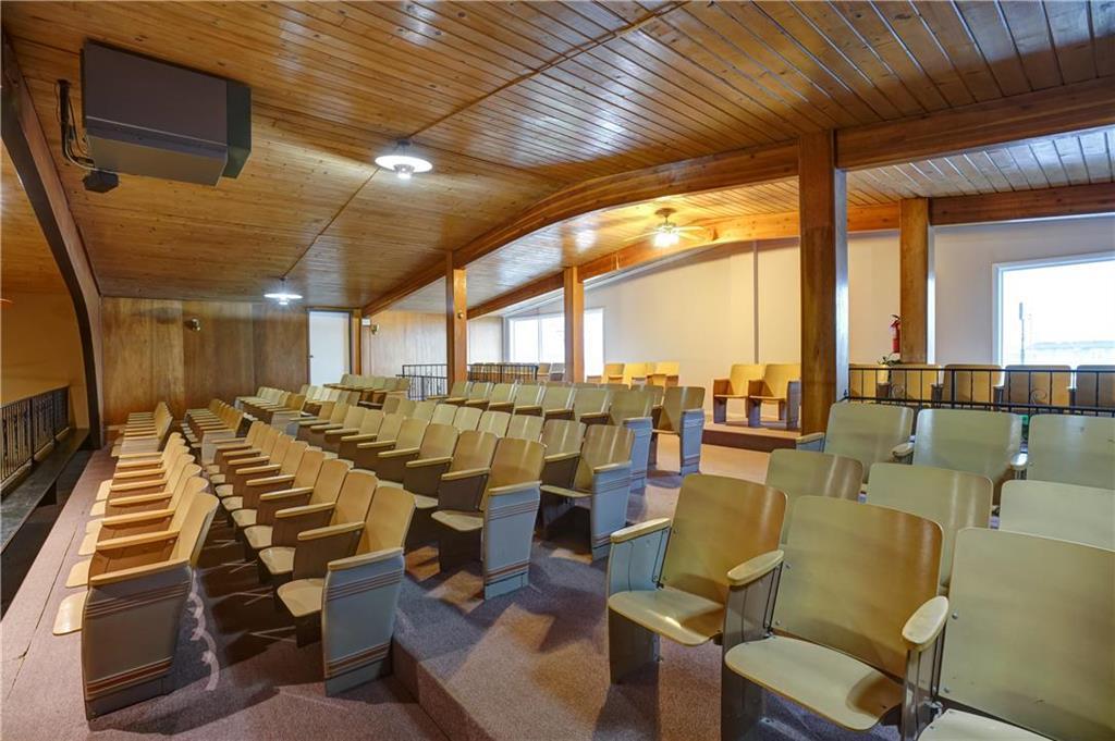 300 Se Blue Parkway Property Photo 16