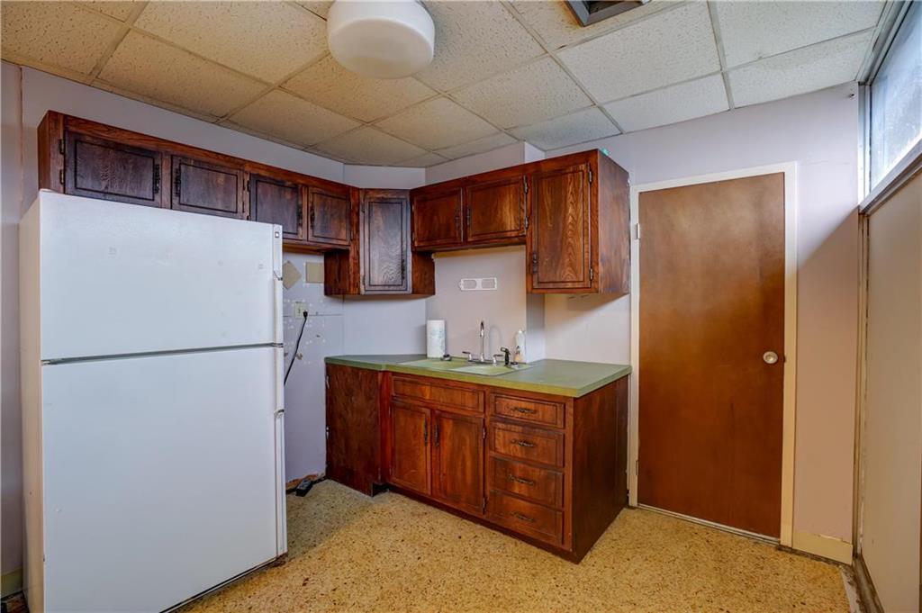 300 Se Blue Parkway Property Photo 48