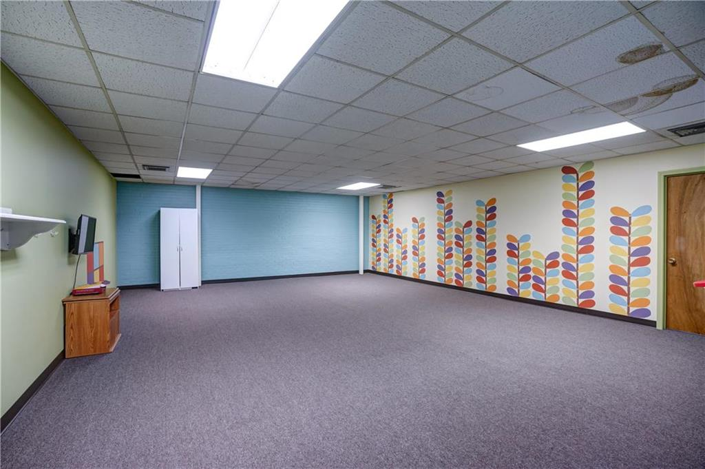 300 Se Blue Parkway Property Photo 54