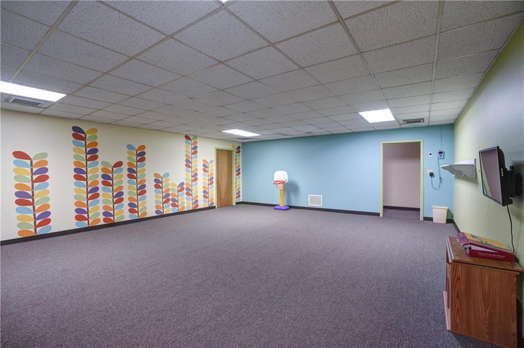 300 Se Blue Parkway Property Photo 55