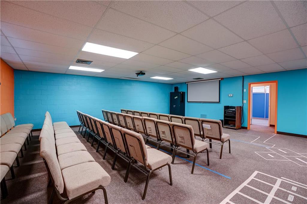 300 Se Blue Parkway Property Photo 66