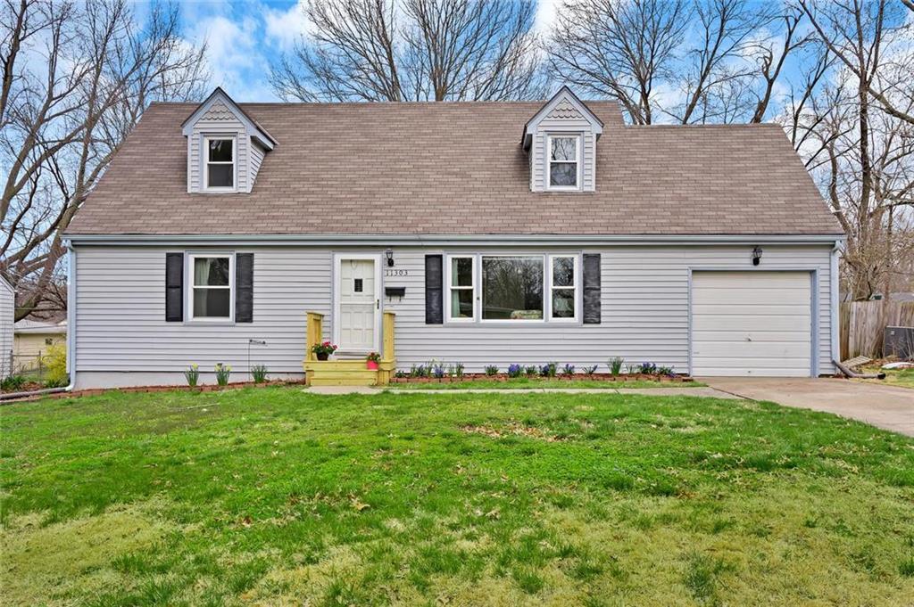 11303 Greenbrier Lane Property Photo - Kansas City, MO real estate listing
