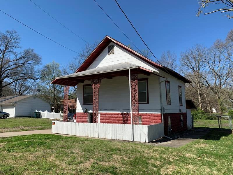 1311 N Washington Street Property Photo