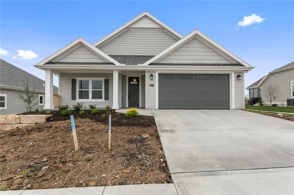 6925 NE 70th Street Property Photo - Kansas City, MO real estate listing