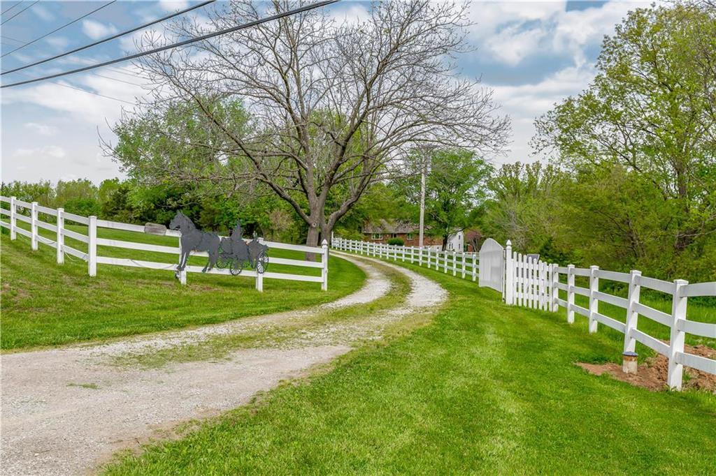 Smithville Real Estate Listings Main Image