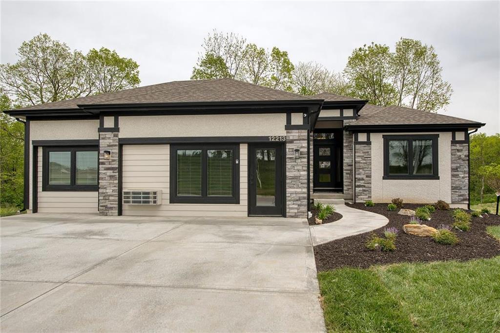 12213 N Virginia Avenue Property Photo