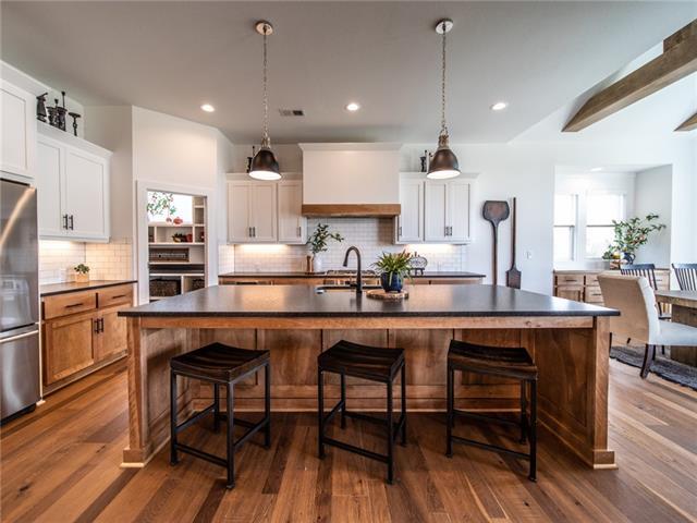 15721 W 165th Terrace Property Photo - Olathe, KS real estate listing