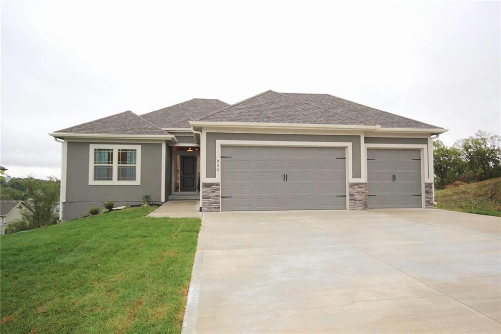12210 E 68th Terrace Property Photo - Kansas City, MO real estate listing